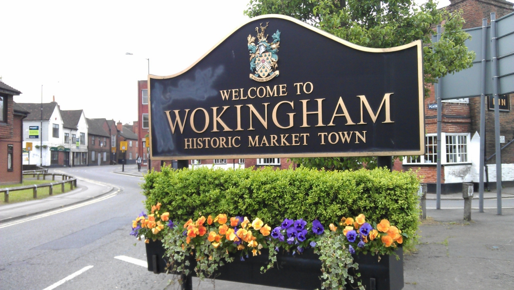 Wokingham town sign